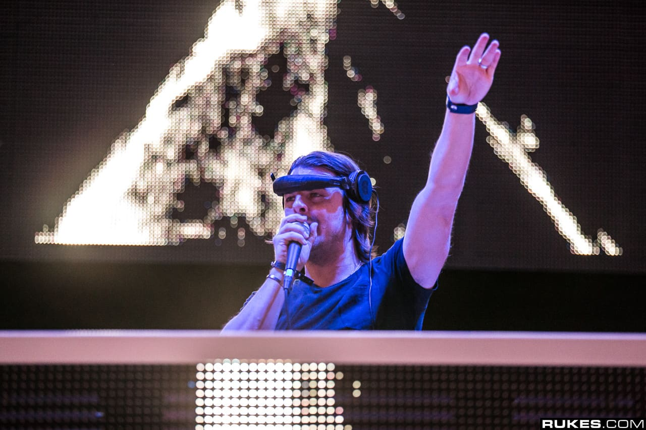 Axwell EXIT