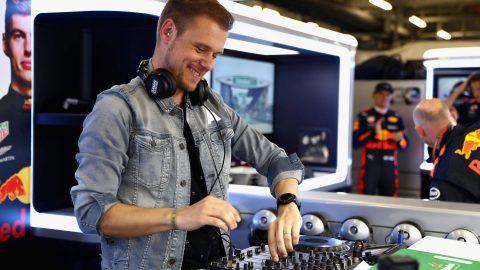 Armin van Buuren ASOT1000 Anthem