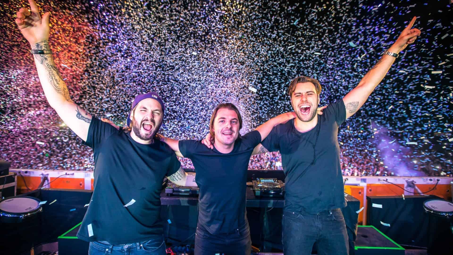 Swedish House Mafia signs