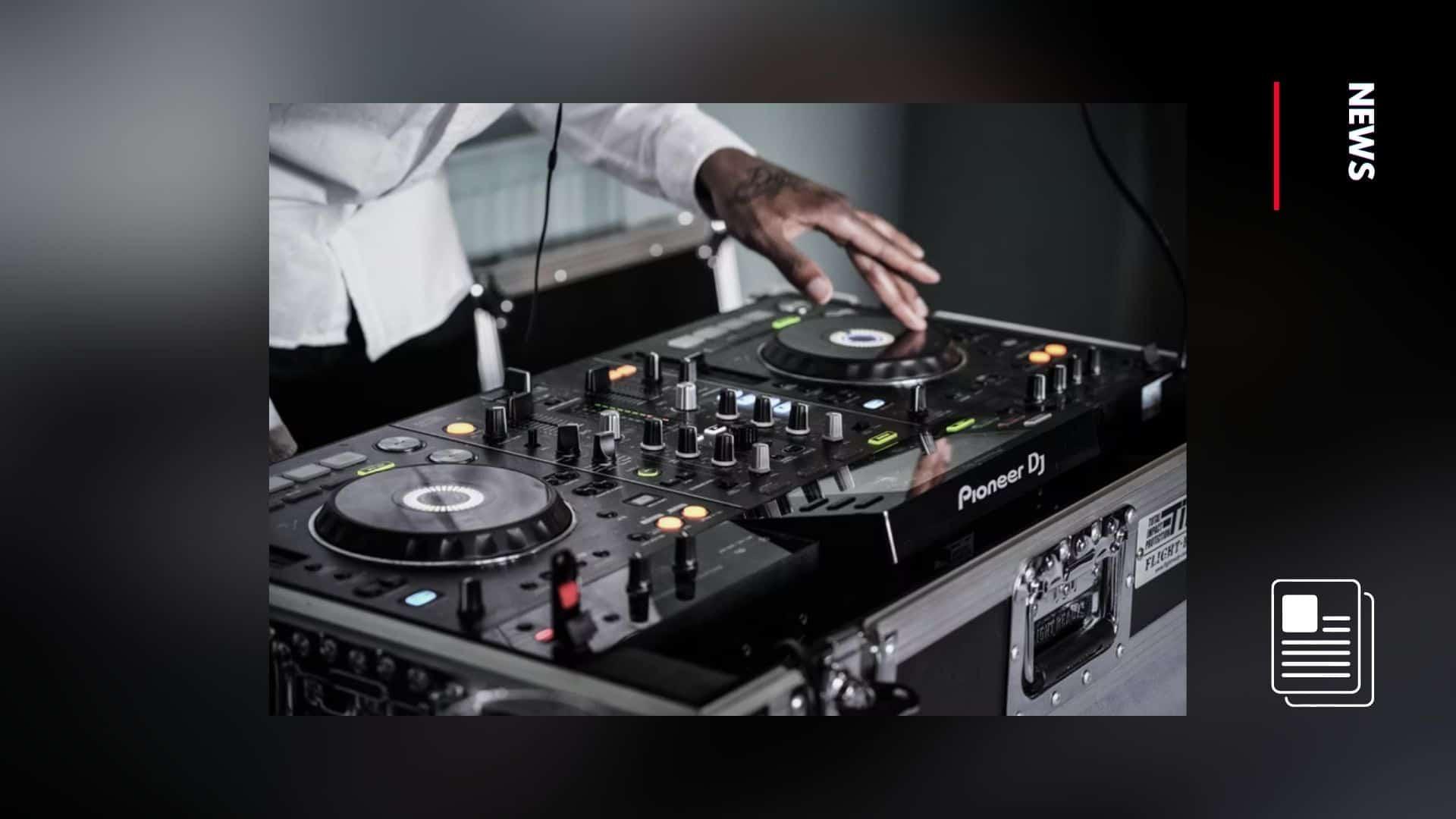 apple music to compensate DJ